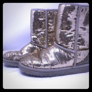 UGG 3161 Classic Short Boots Sequined Size 10